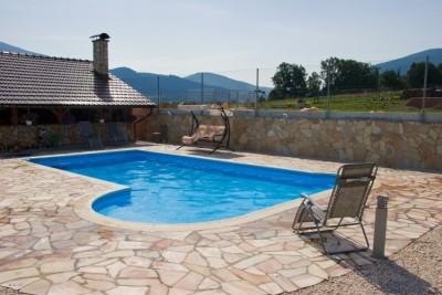 Okolí bazénu - 1